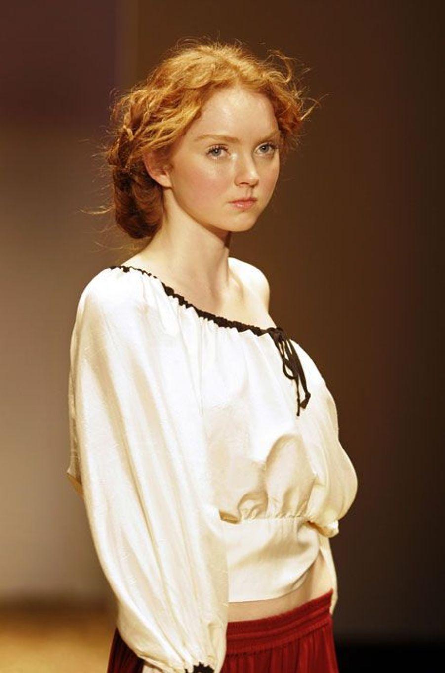Lily Cole pour la collection P/E 2006