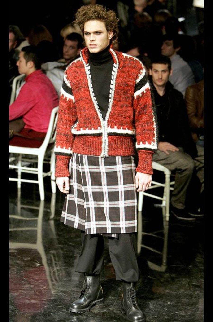 Un modèle de la collection Homme Automne-Hiver 2006/07