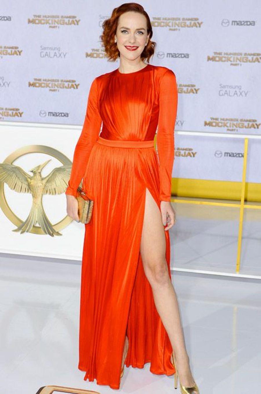 """L'actrice Jena Malone en Emmanuel Ungaro pour la première de """"Hunger Games: La Révolte, partie 1"""", le 17 novembre 2014 à Los Angeles"""