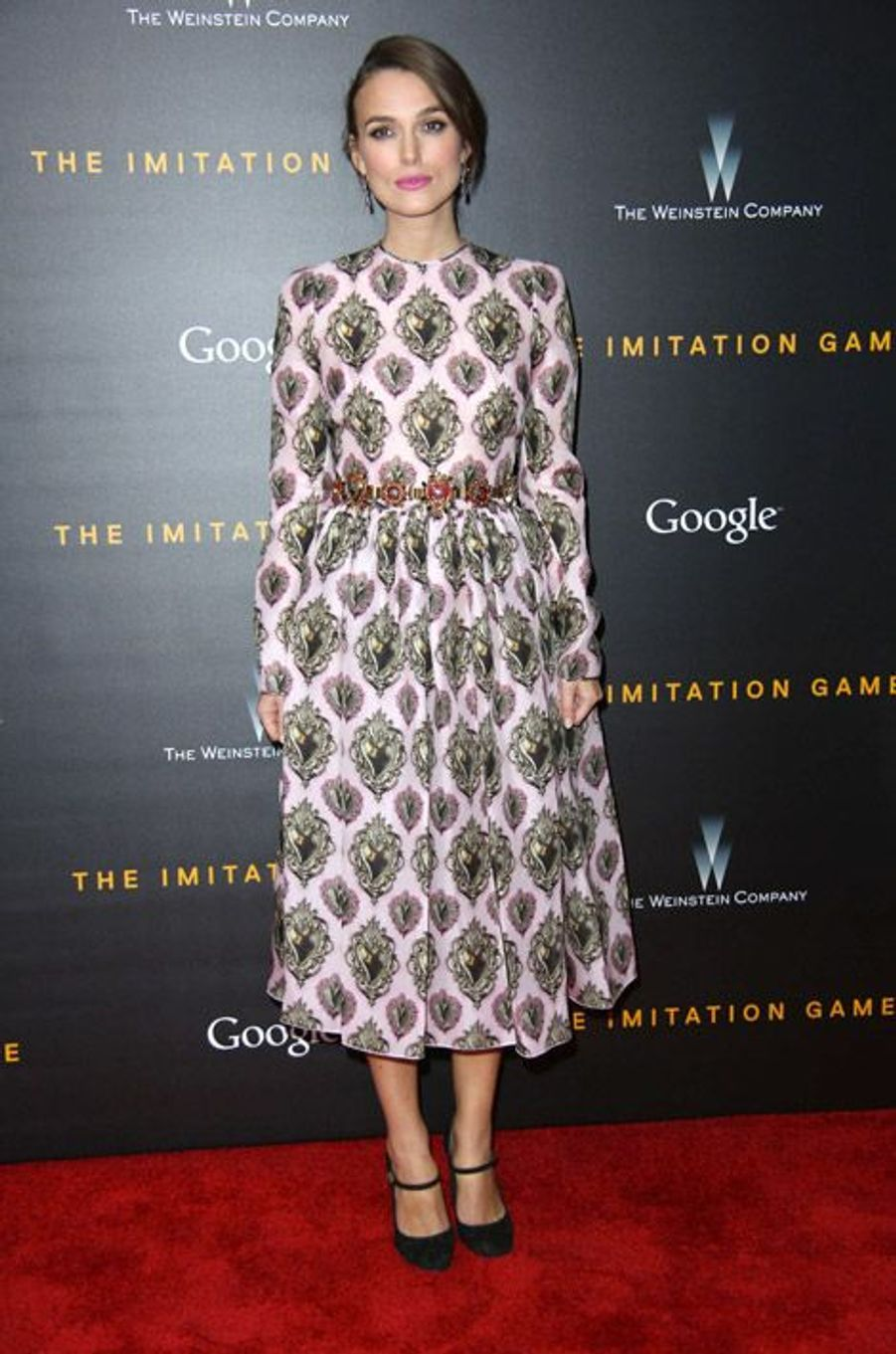 """L'actrice Keira Knightley en Dolce & Gabbana lors de la première du film """"The Imitation Game"""" à New York, le 17 novembre 2014"""
