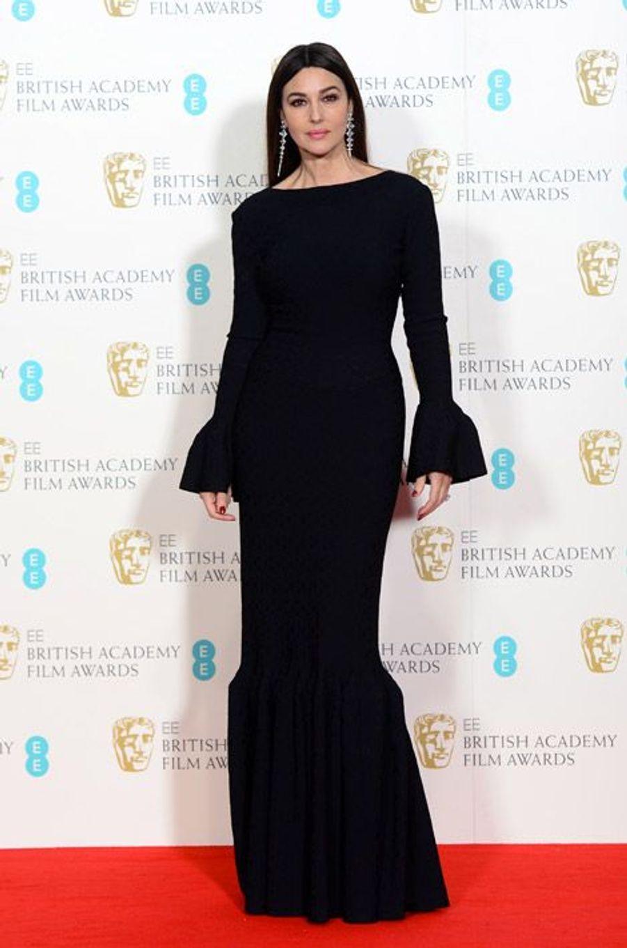 L'actrice Monica Bellucci en Alaia lors de la cérémonie des BAFTA le 8 février 2015