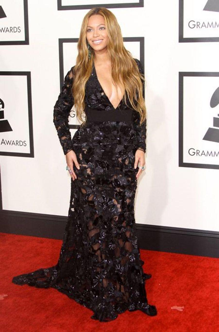 La chanteuse Beyoncé en Proenza Schouler lors de la cérémonie des Grammy Awards à Los Angeles, le 8 février 2015