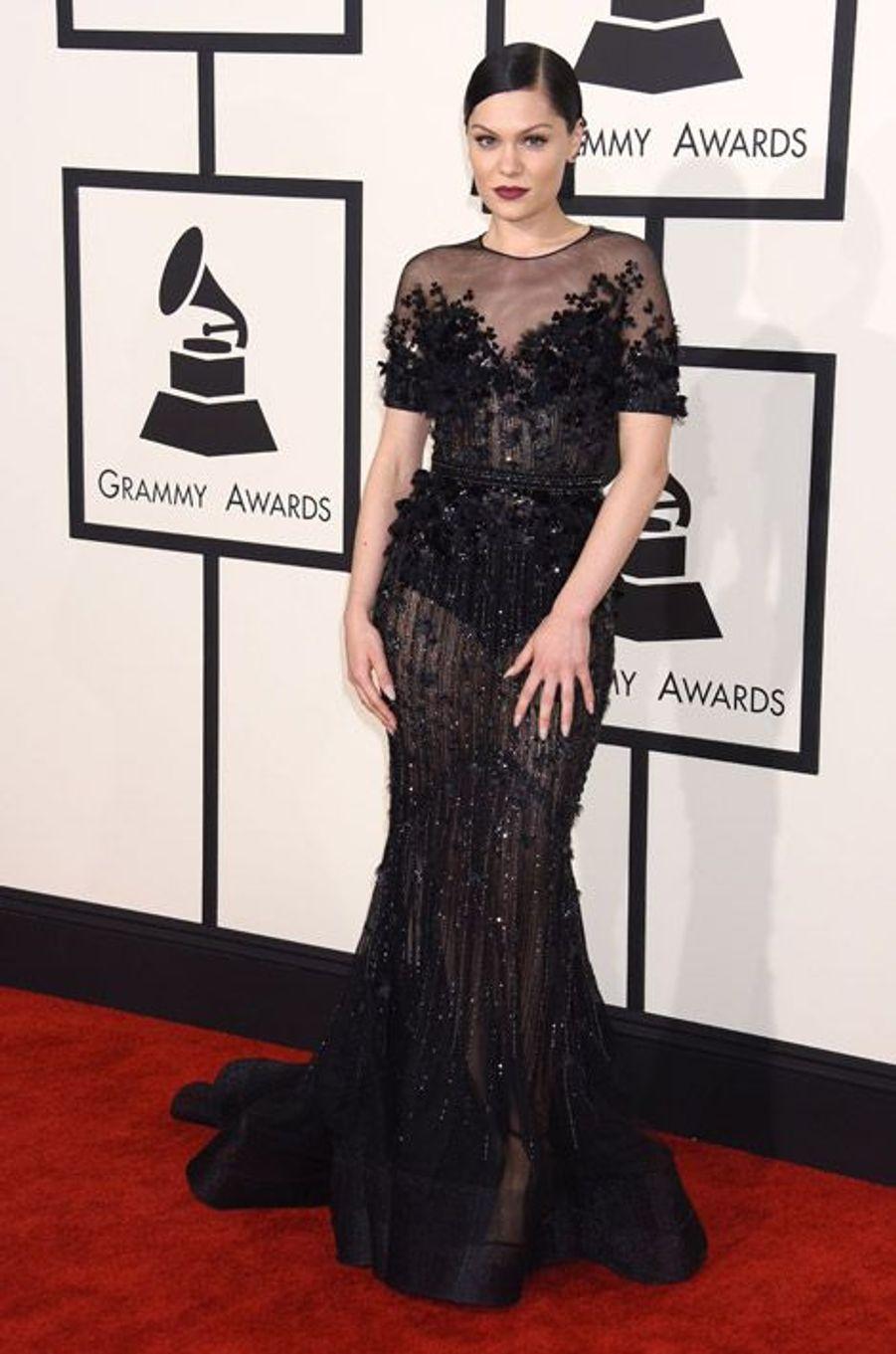 La chanteuse Jessie J en Ralph & Russo lors de la cérémonie des Grammy Awards à Los Angeles, le 8 février 2015