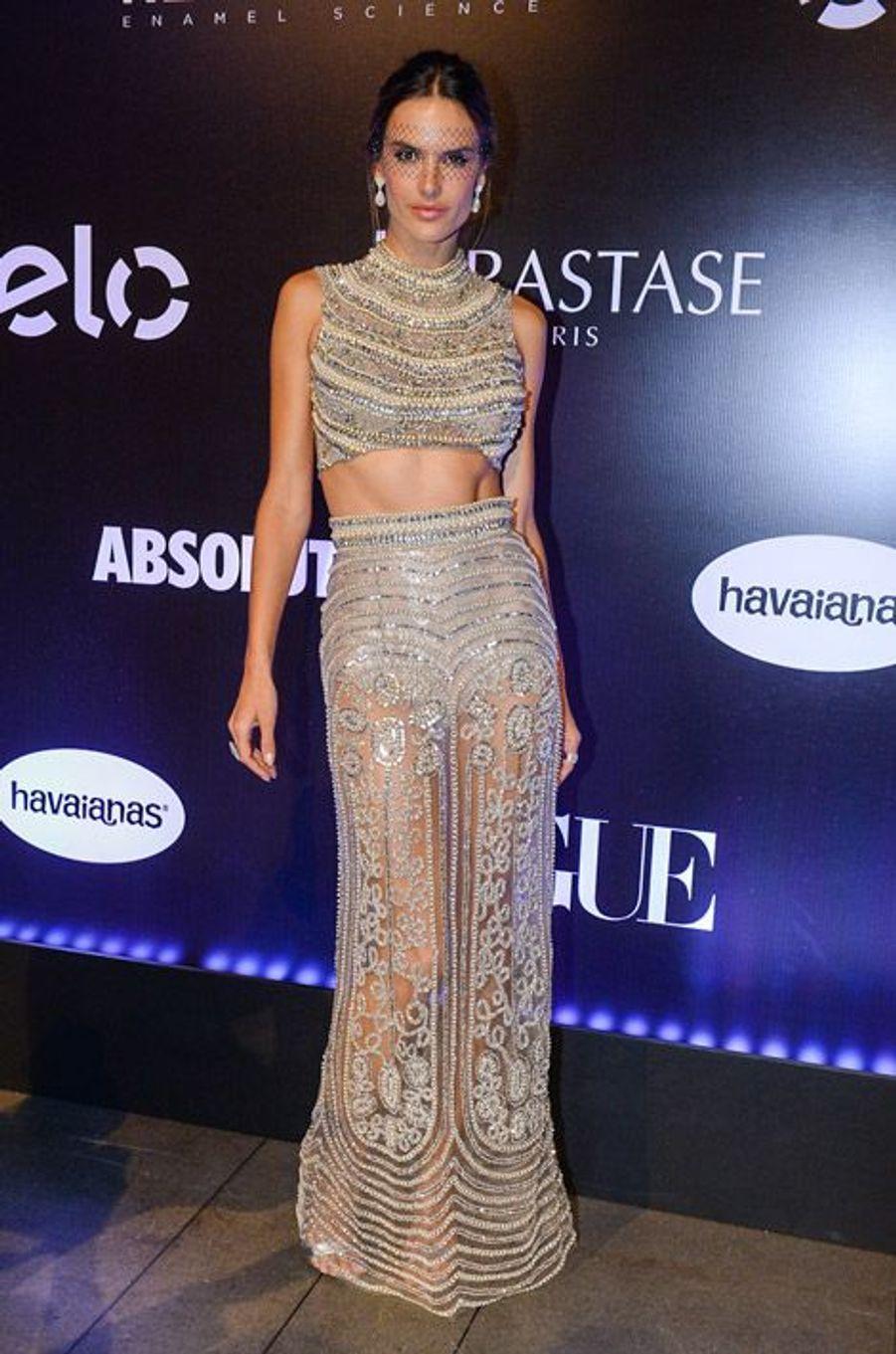 Le top brésilien Alessandra Ambrosio lors d'un événement à Sao Paulo, le 6 février 2015