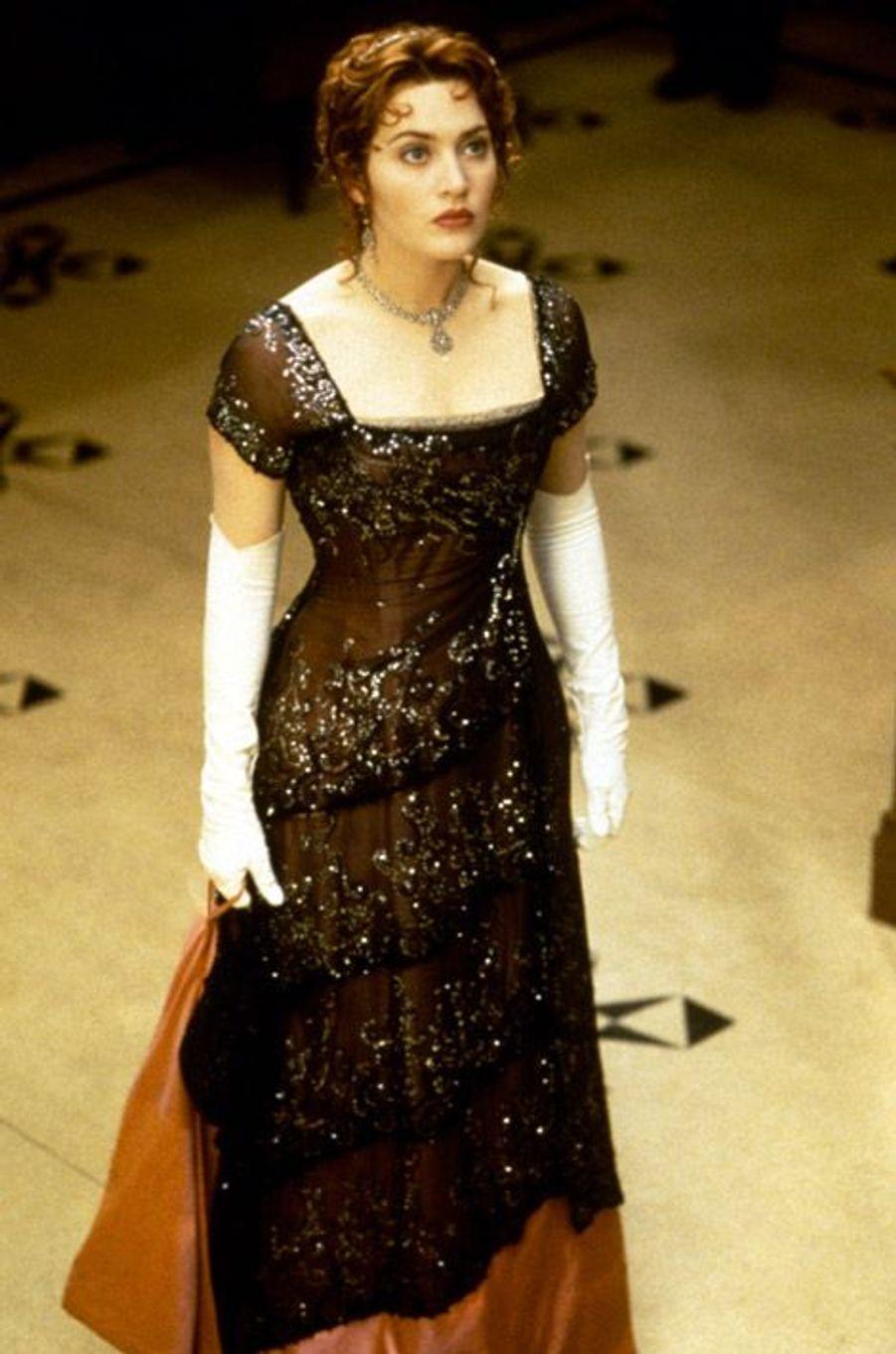Kate Winslet dans son personnage de Rose dans le film Titanic, en 1997