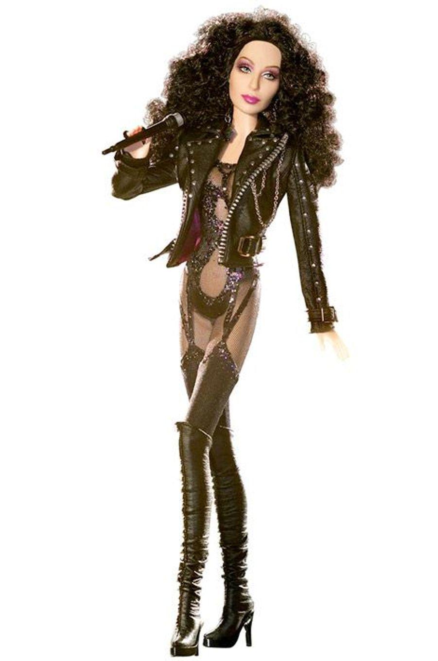 La Barbie Cher reprend le look de la chanteuse dans les années 80