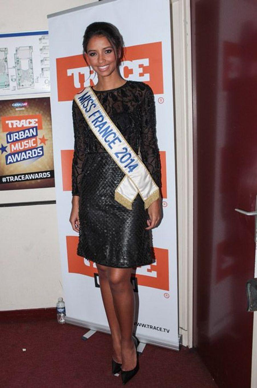 Flora Coquerel, Miss France 2014, 20 ans lors des Trace Urban Music Awards à Paris, le 22 octobre 2014