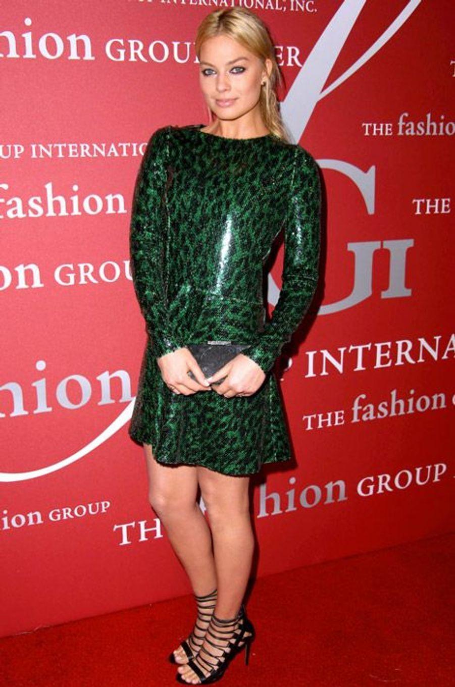 """L'actrice Margot Robbie, 24 ans, révélée par le film """"Le Loup de Wall Street"""", le 23 octobre 2014 à New York dans une robe Marc Jacobs"""
