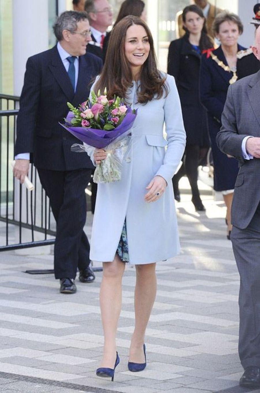 Kate Middleton en bleu layette à Londres, le 19 janvier 2015