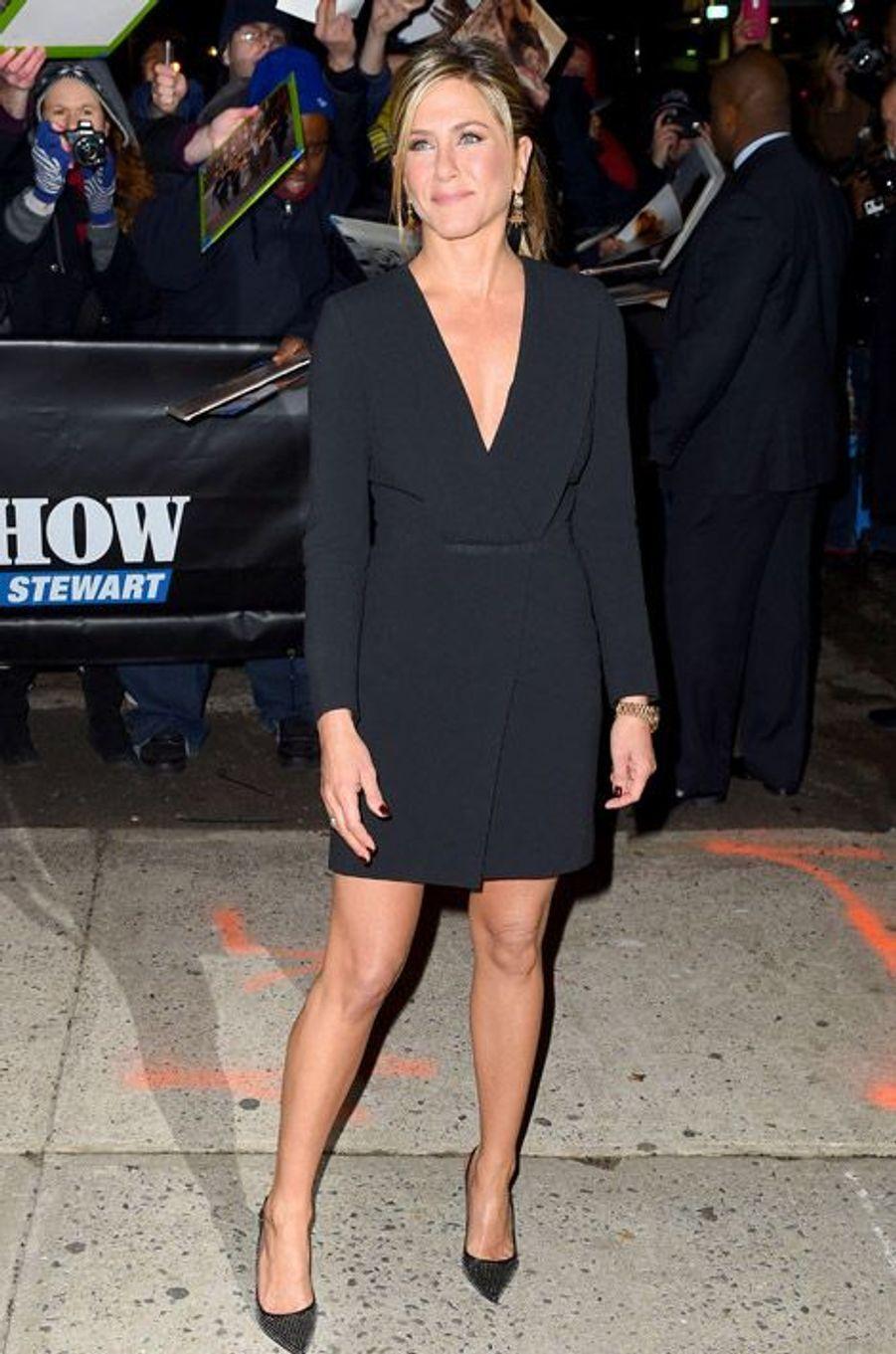 L'actrice Jennifer Aniston se rend sur le plateau du Daily Show with Jon Stewart à New York, le 22 janvier 2015