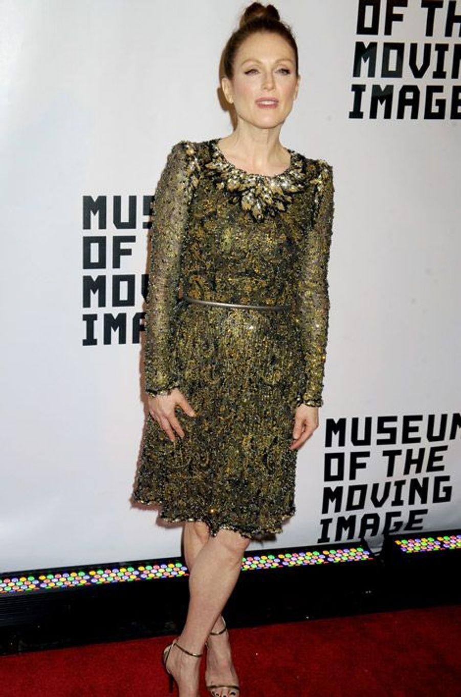 L'actrice Julianne Moore en Chanel Couture pour une soirée en son honneur à New York, le 20 janvier 2015