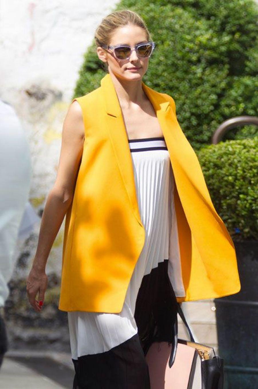 La styliste Olivia Palermo à New York le 18 juin 2014