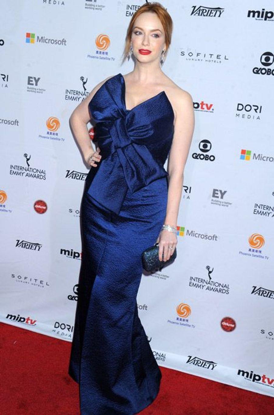 """L'actrice Christina Hendricks, de la série """"Mad Men"""", à la soirée des International Academy of Television Arts & Sciences Emmy Awards à New York..."""