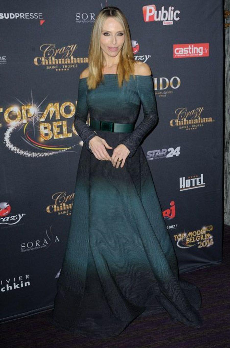 """L'actrice de la série """"Sous le soleil"""", Tony Kinzinger lors de la soirée Top Model Belgium 2014 à Paris, le 23 novembre 2014"""