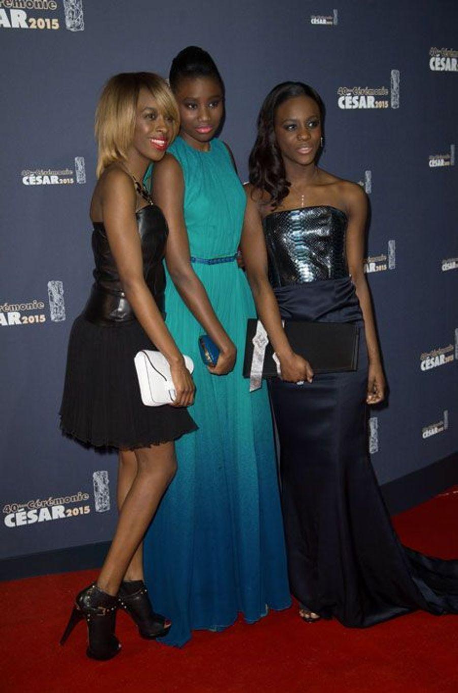 """Karidja Touré et les actrices de """"Bande de filles"""" lors de la cérémonie des César à Paris, le 20 février 2015"""