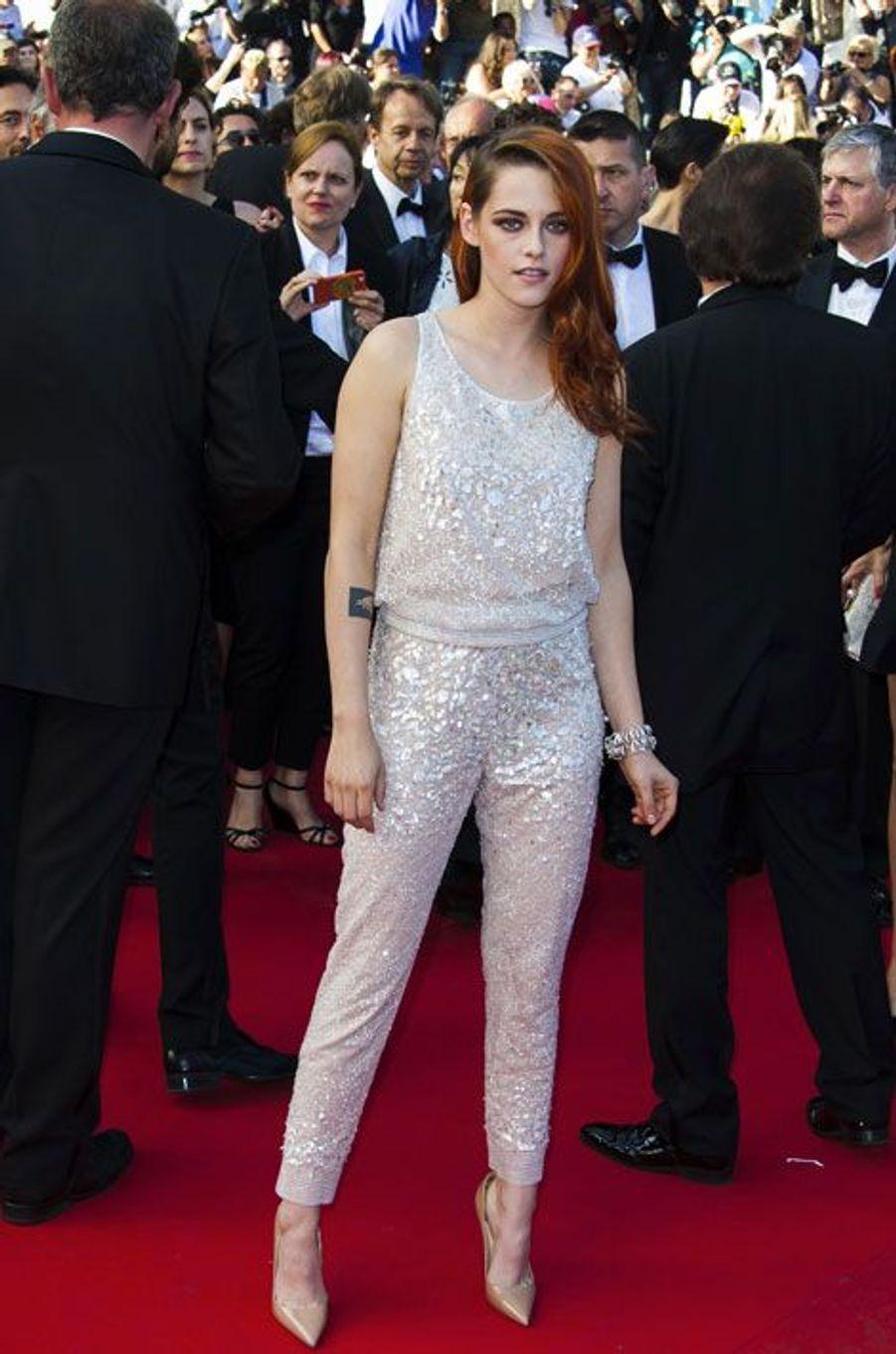 """En Chanel Couture pour la projection de """"Sils Maria"""" pendant le Festival de Cannes, le 23 mai 2014"""
