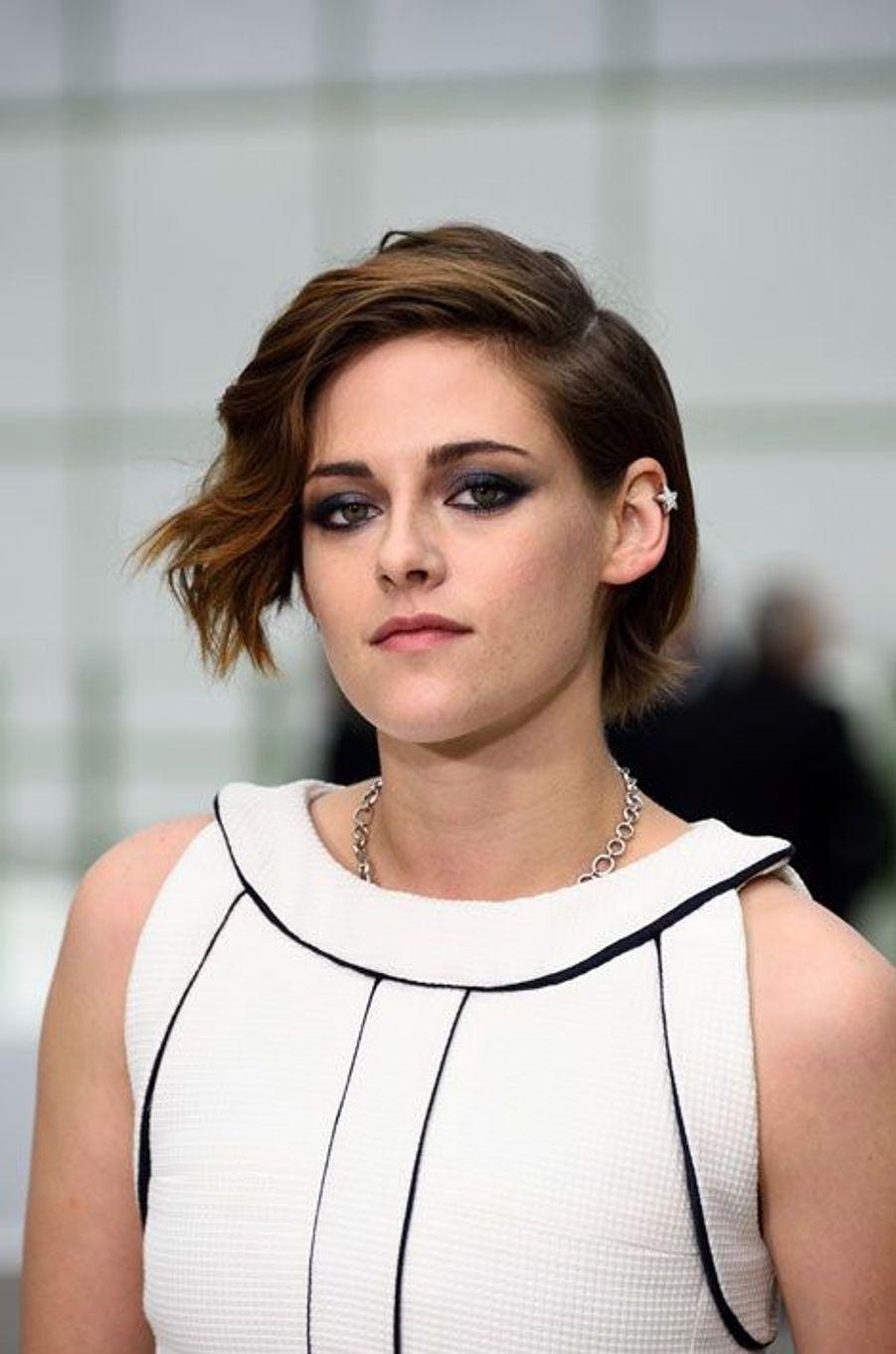 Kristen Stewart : La star sexy de la semaine : retour sur ses looks les plus glamour sur tapis rouges