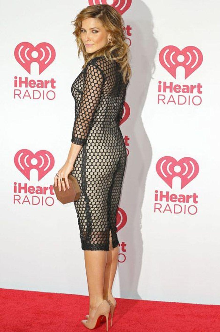 Sexy dans une robe résille à Las Vegas, en septembre 2014