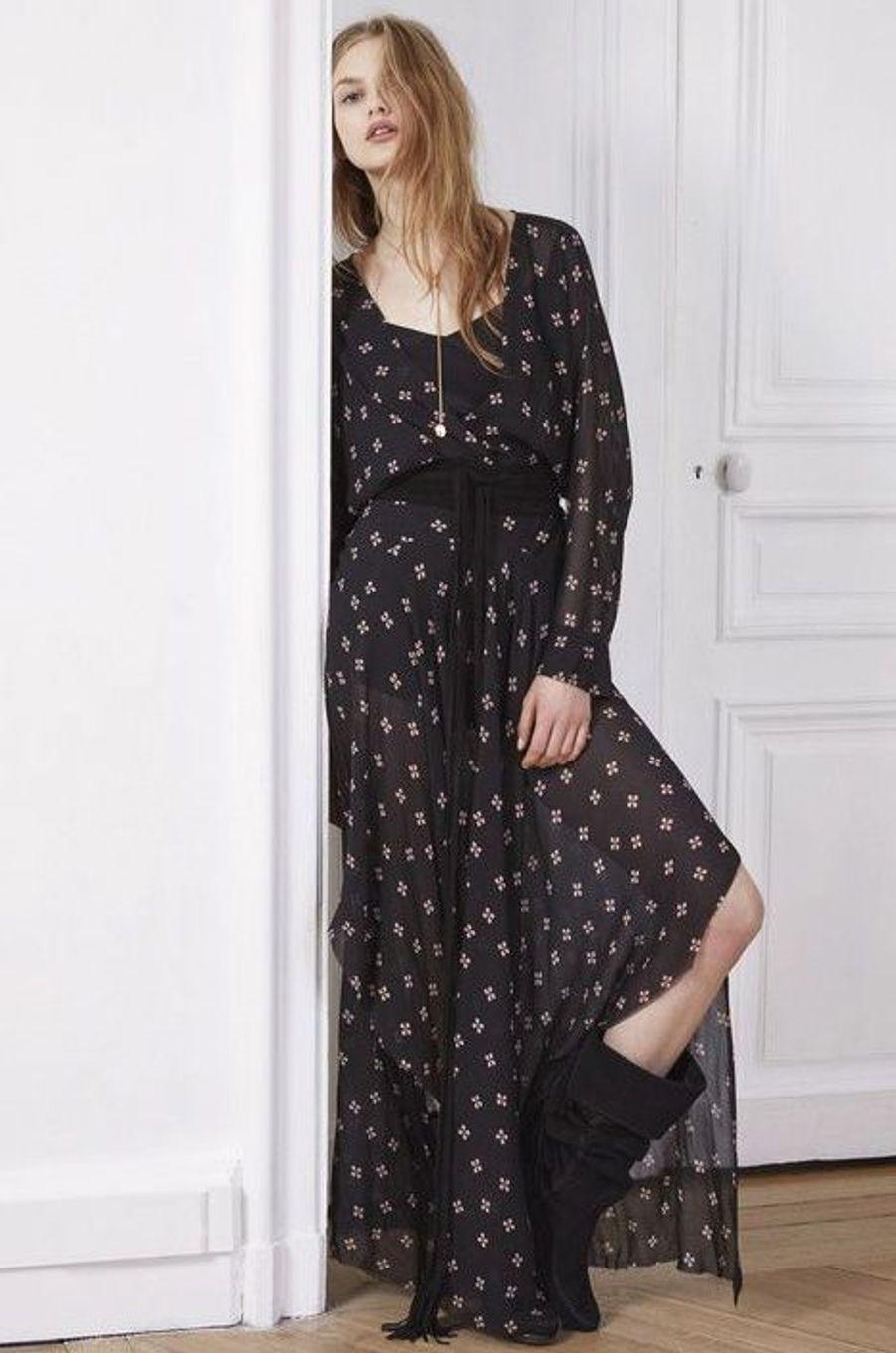 La robe bohème n'est pas réservée uniquement aux températures estivales. La seule différence, c'est qu'en automne, on la porte avec des bottes.