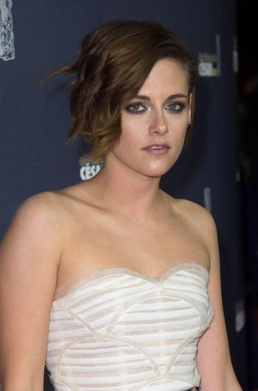 L'actrice Kristen Stewart et sa coupe courte déstructurée