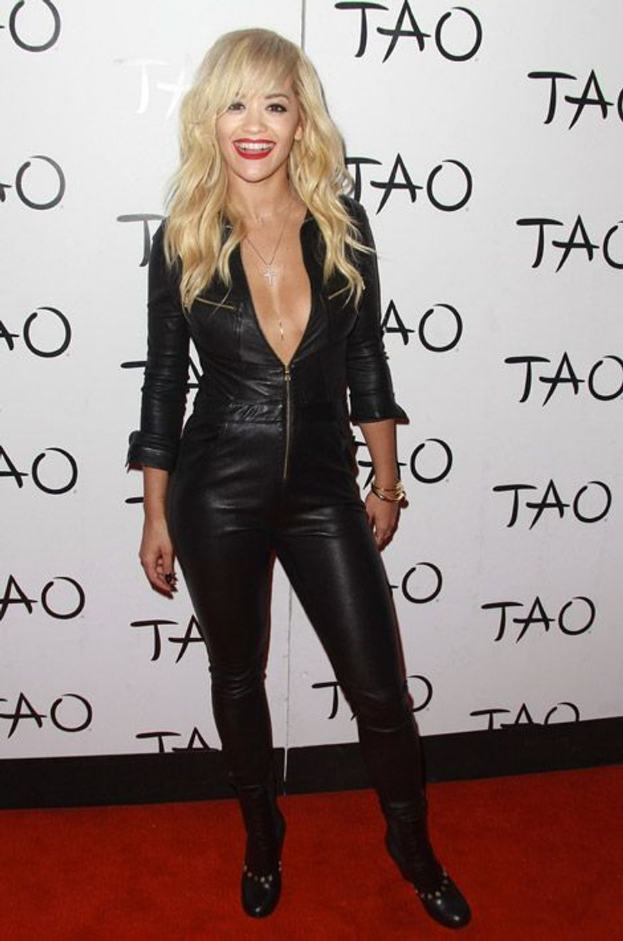 La chanteuse Rita Ora tout en cuir pour une soirée à Las Vegas, le 27 juillet 2014
