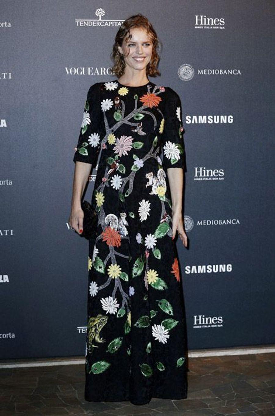"""L'ex-mannequin Eva Herzigova, fête les 50 ans de """"Vogue Italie"""", le 21 septembre 2014"""