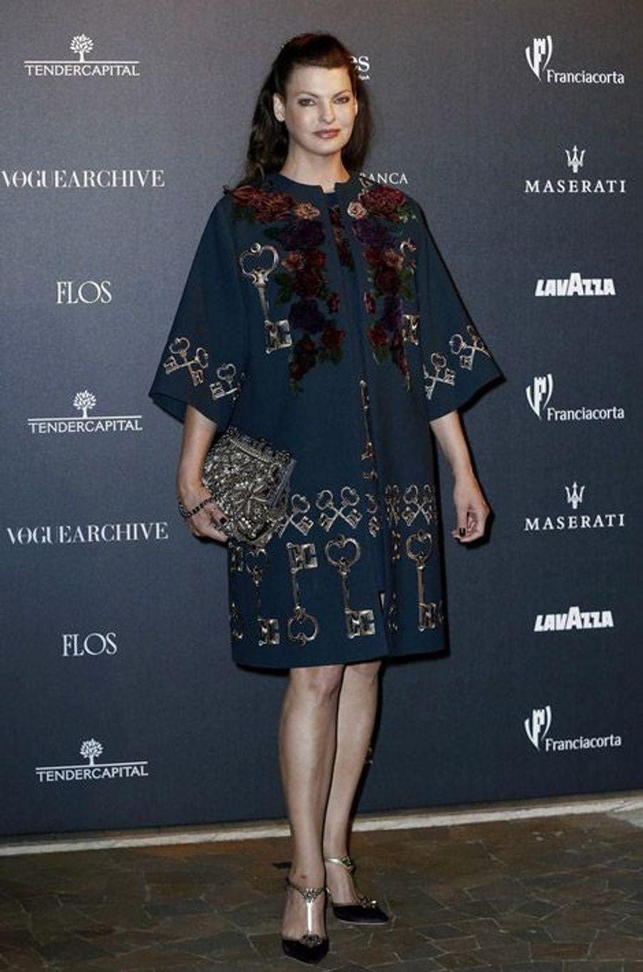"""L'ex mannequin Linda Evangelista en Dolce & Gabbana fête les 50 ans de """"Vogue Italie"""", le 21 septembre 2014"""