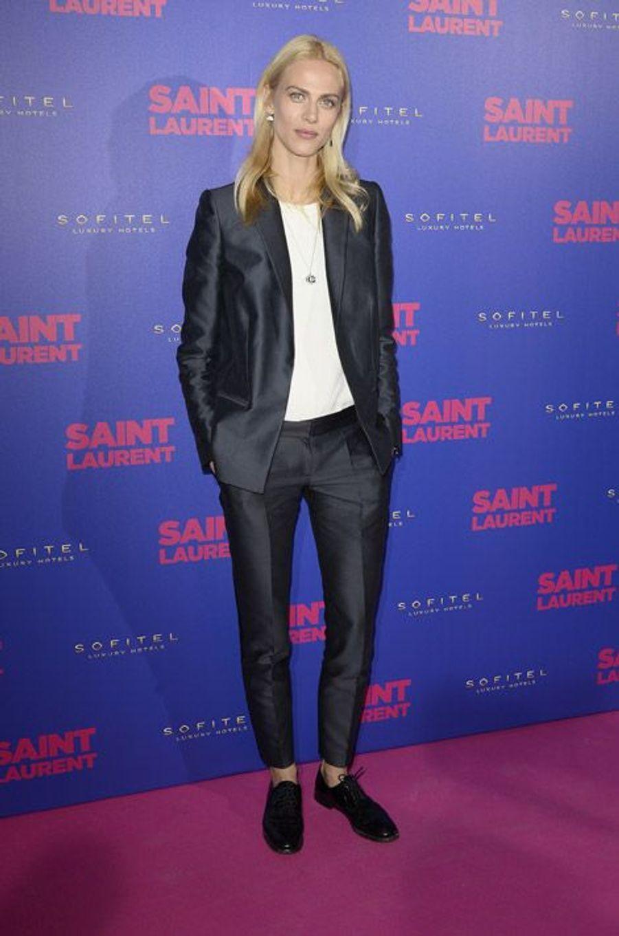 """Le mannequin Aymeline Valade à l'avant-première du fim """"Yves Saint Laurent"""", au Centre Pompidou à Paris, le 23 septembre 2014"""