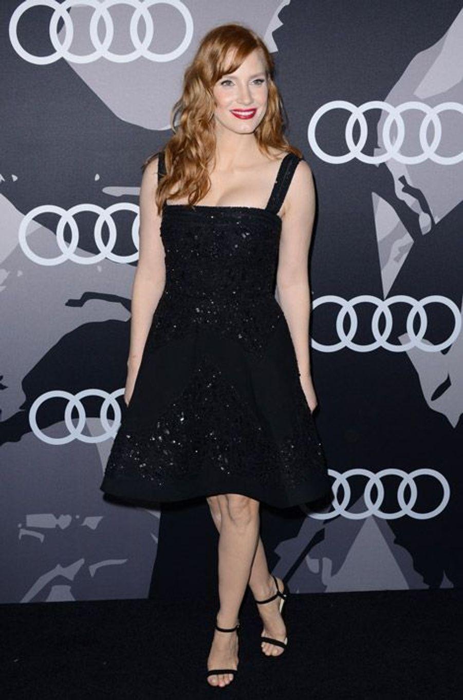 L'actrice Jessica Chastain en Elie Saab lors d'une soirée organisée avant les Golden Globes à Los Angeles, le 8 janvier 2015