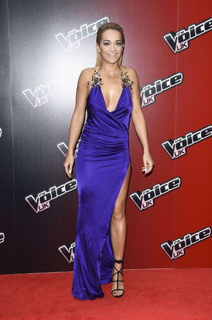 La chanteuse Rita Ora et membre du jury de l'édition britannique de The Voice, en Dsquared2 le 5 janvier 2015 à Londres