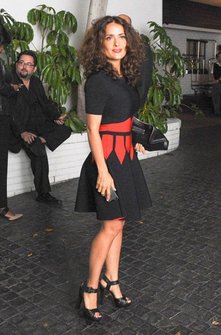 Salma Hayek lors de la soirée W Magazine organisée avant la cérémonie des Golden Globes, le 8 janvier 2015 à Los Angeles