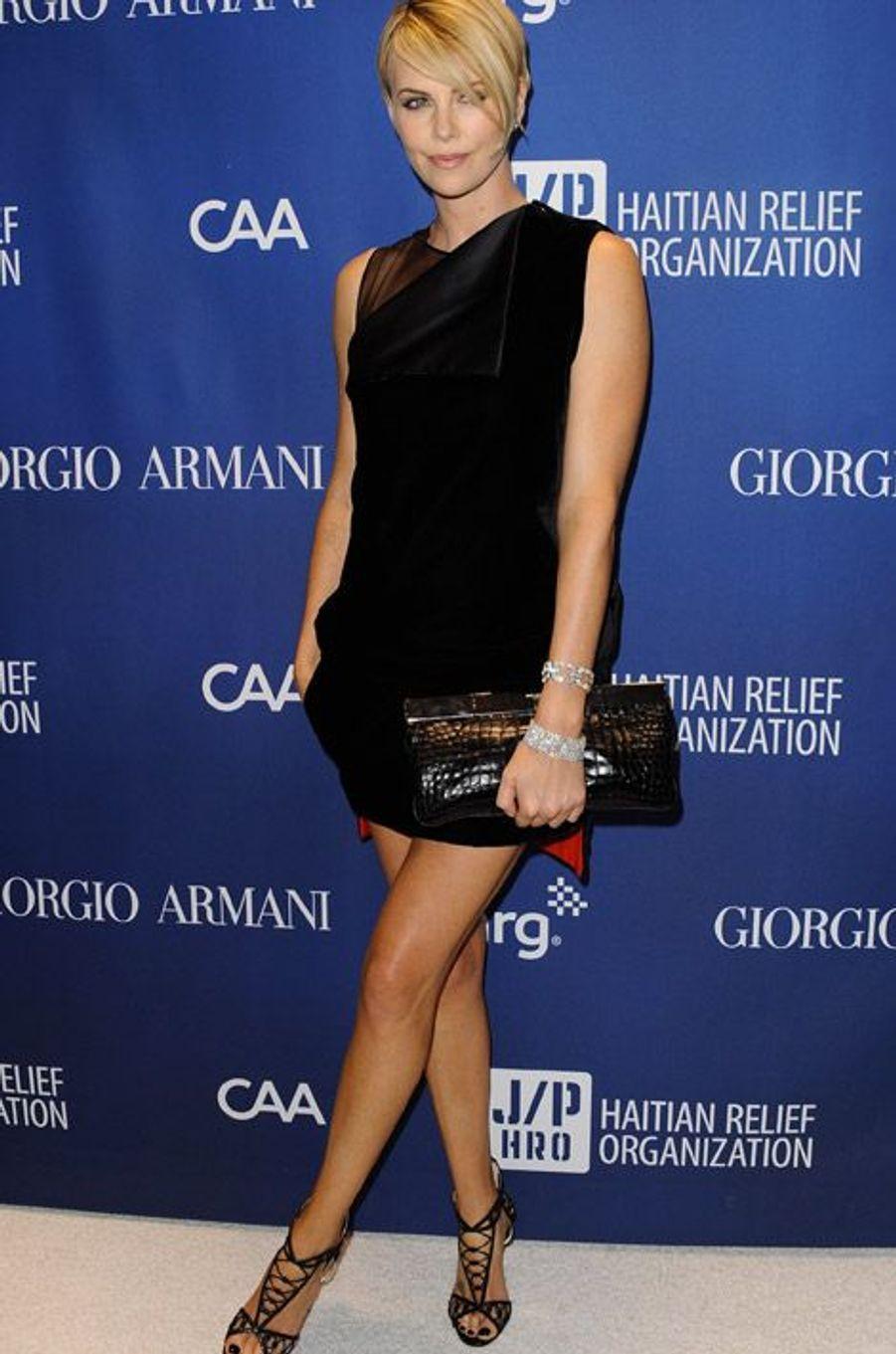 Charlize Theron en Christian Louboutin lors d'un gala de charité à Los Angeles, le 11 jenvier 2014