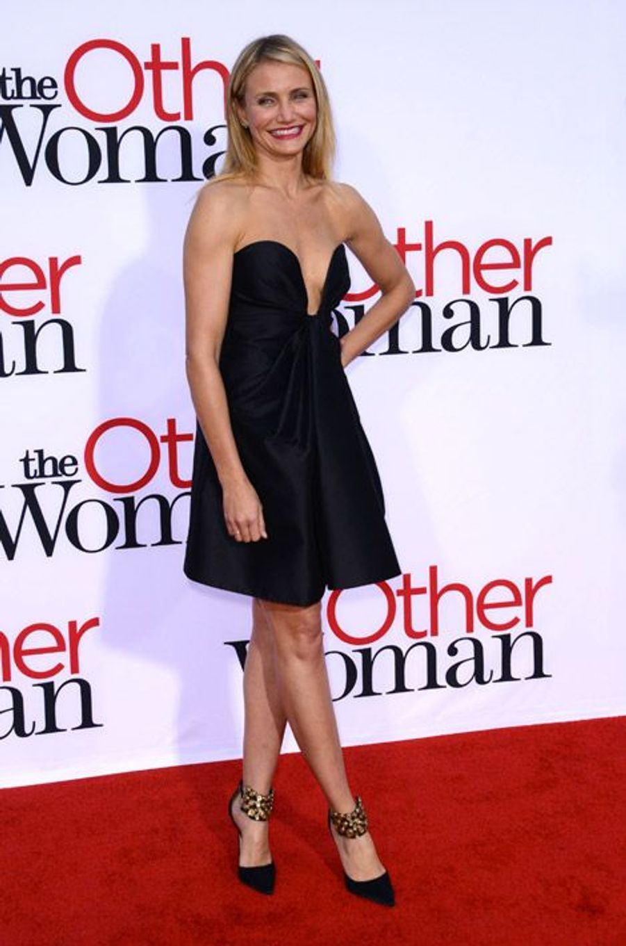 """L'actrice Cameron Diaz en Manolo Blahnik lors de la première de """"Triple Alliance"""" à Los Angeles, le 21 avril 2014"""