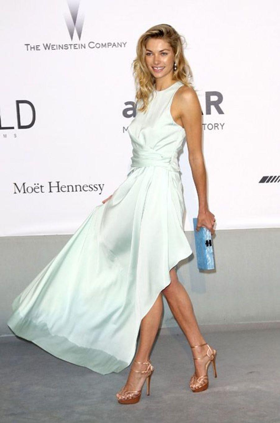 L'actrice Jessica Hart lors du Festival de Cannes, le 22 mai 2014