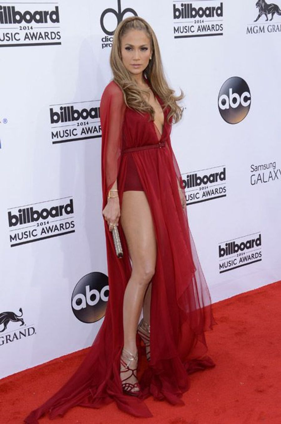 La chanteuse Jennifer Lopez en Jimmy Choo lors de la cérémonie Billboard Music Awards, le 18 mai 2014