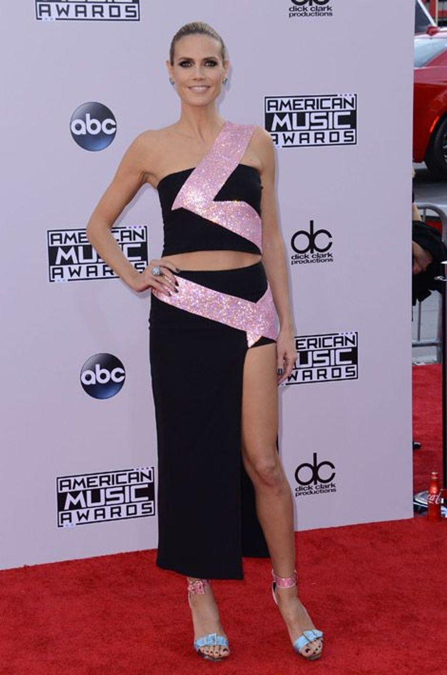 Le mannequin Heidi Klum lors des American Music Awards à Los Angeles, le 23 novembre 2014