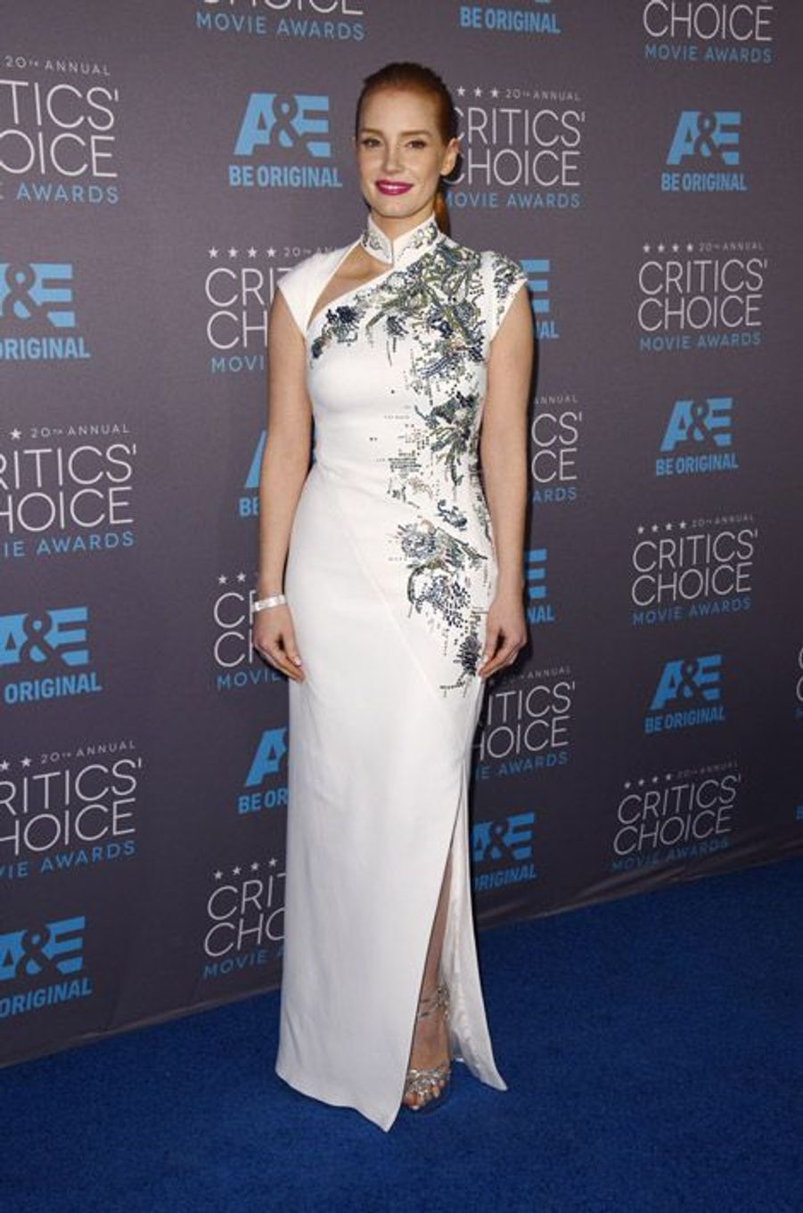 Jessica Chatsain en Antonio Berardi lors de la cérémonie des Critics Choice Movie Awards à Los Angeles, le 15 janvier 2015