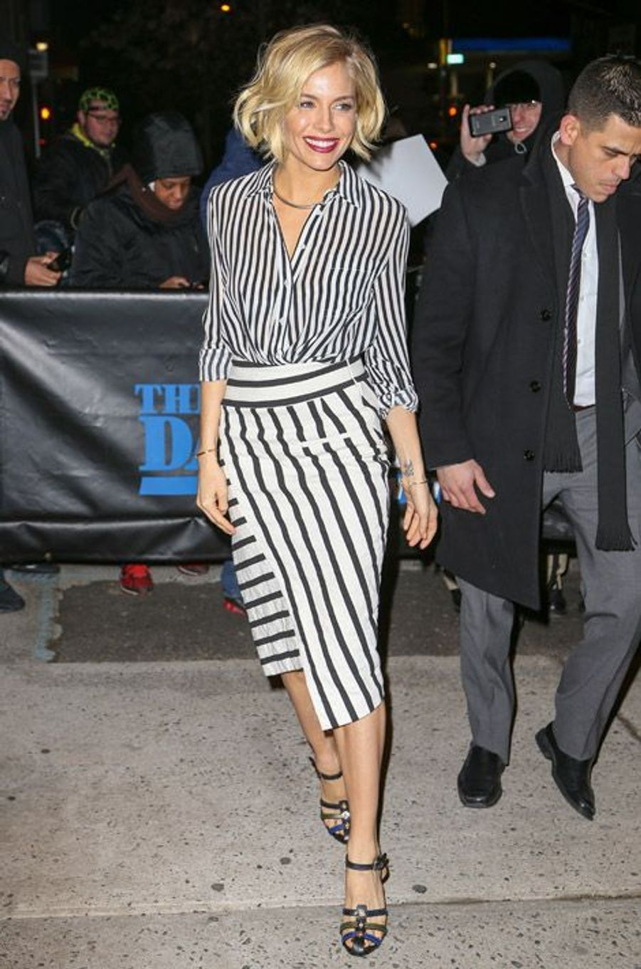 Sienna Miller en Altuzarra à la sortie d'une émission télé, à New York, le 15 janvier 2015