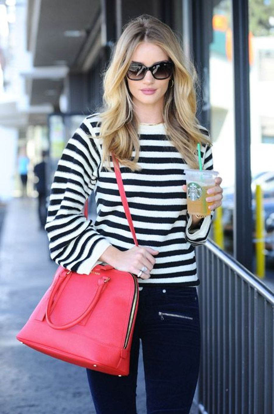 Le mannequin Rosie Huntington-Whiteley à Los Angeles, le 30 octobre 2014