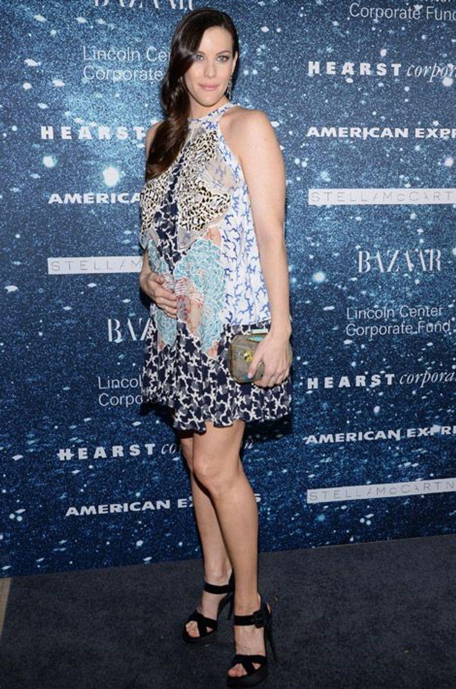 L'actrice Live Tyler enceinte lors d'une soirée en l'honneur de la créatrice Stella McCartney à New York, le 13 novembre 2014