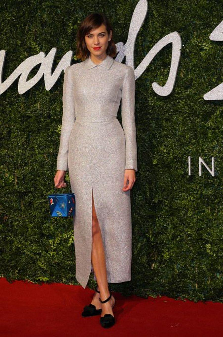 La it-girl Alexa Chung en Emilia Wickstead à la cérémonie des British Fashion Awards, à Londres, le 1er décembre 2014