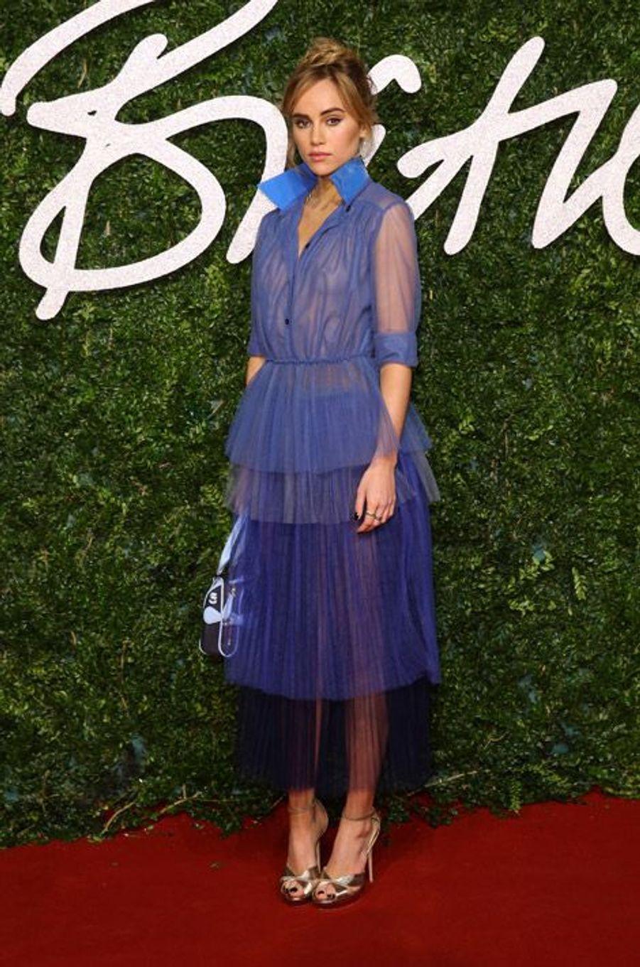 Le mannequin et compagne de Bradley Cooper, Suki Waterhouse, en Burberry Prorsum à la cérémonie des British Fashion Awards, à Londres, le 1er d