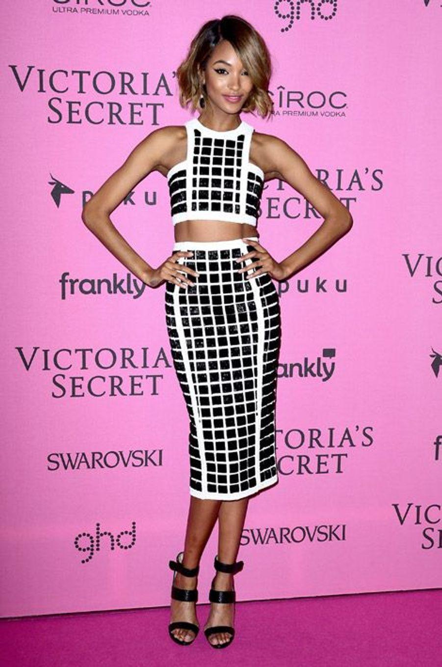 Le mannequin Jourdan Dunn en Balmain à Londres le 2 décembre 2014 après le show Victoria's Secret
