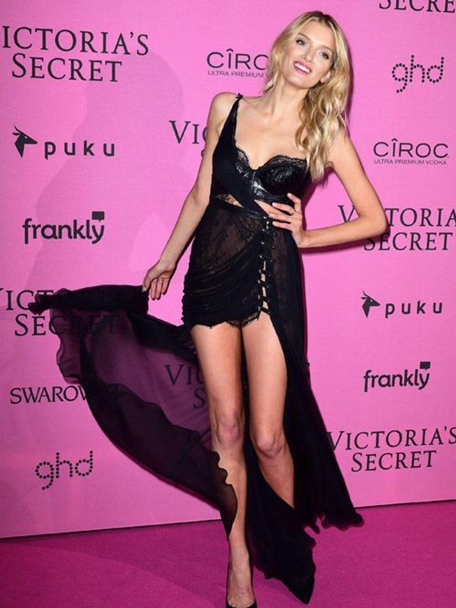 Le mannequin Lily Donaldson à Londres le 2 décembre 2014 après le show Victoria's Secret