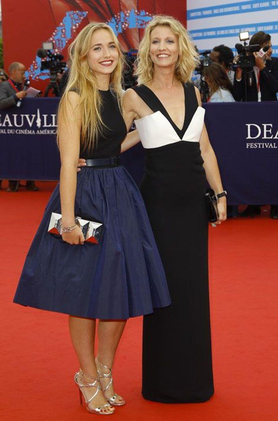 Black & white : Alexandra Lamy et sa fille, Chloé Jouannet, lors du festival du cinéma américain de Deaville, le 5 septembre 2014