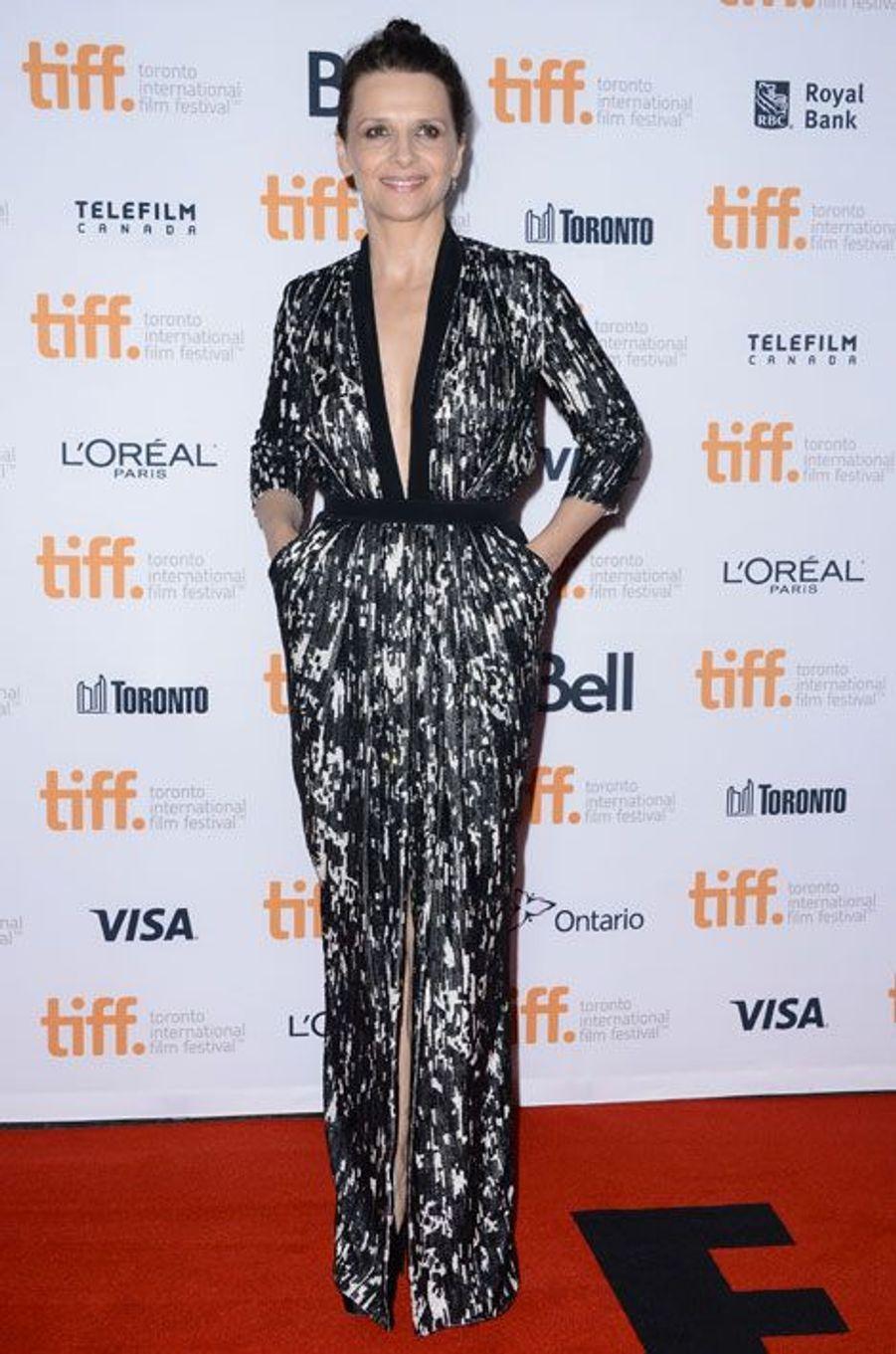 Black & white : Juliette Binoche pour la projection du film Clouds of Sils Maria à Toronto, le 4 septembre 2014