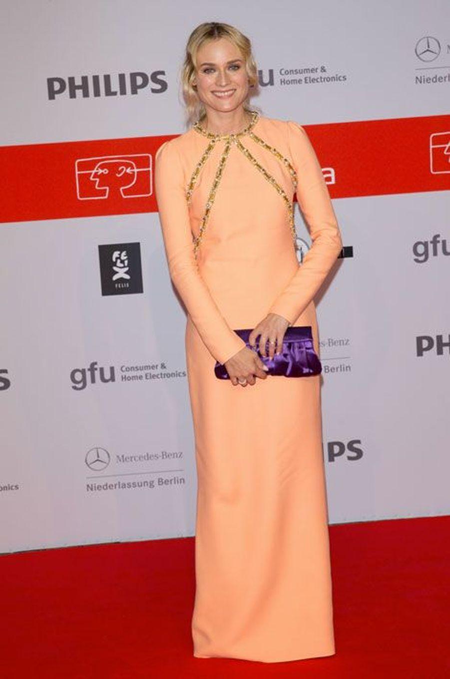 De la couleur : l'actrice Diane Kruger en Prada, pour la réouverture du Boulevard des stars à Berlin, le 4 septembre 2014