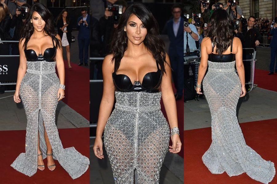 La transparence : Kim Kardashian en Ralph and Russo, lors de la soirée GQ à Londres, le 2 septembre 2014