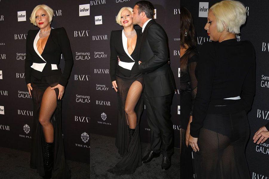 La transparence : la chanteuse Lady Gaga en Alexandre Vauthier Couture, lors de la soirée Harper's Bazaar ICONS, à New York le 5 septembre 2014