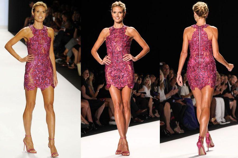 Paillettes et soie : le top model Heidi Klum en Julien MacDonald, lors de la finale du show Project Runway, à New York le 5 septembre 2014